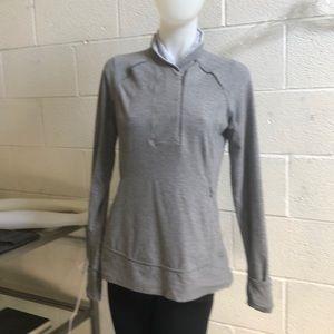 Lululemon gray & white l/s pullover sz 10 60337